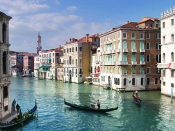 Veneza e suas gôndolas
