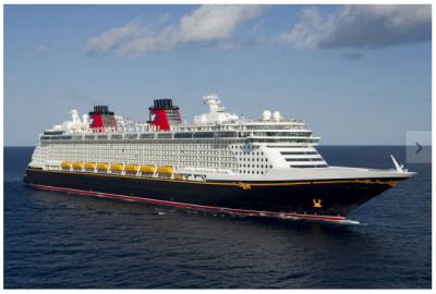 Navio da Disney flutua entre agito de parque e sossego de praia exclusiva no Caribe